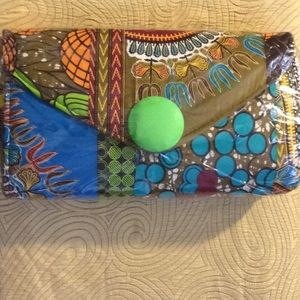 Handbags - New, Large Authentic African Ankara green button